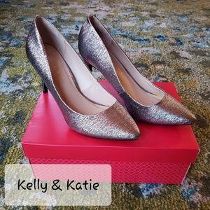 NEW Kelly & Katie Silver Heels